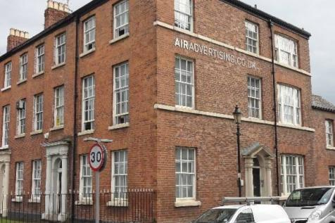 Hulme Place, Salford, M5. 6 bedroom town house