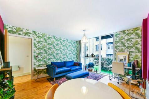 Gowers Walk, London, E1. 1 bedroom flat