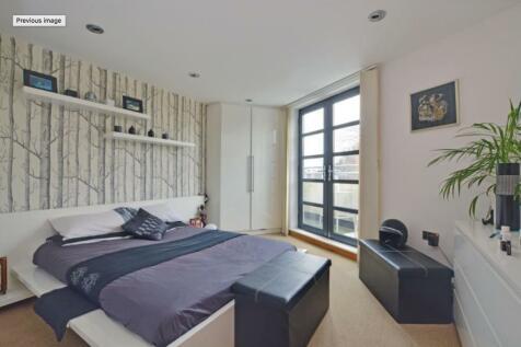 Station Crescent, London, SE3. 2 bedroom apartment