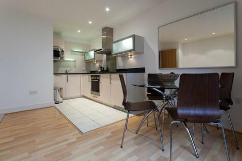East Lane, London, SE16. 1 bedroom flat