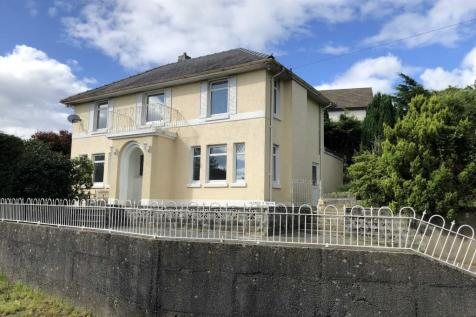 Lluest Y Bryn, Carmarthen. 4 bedroom house