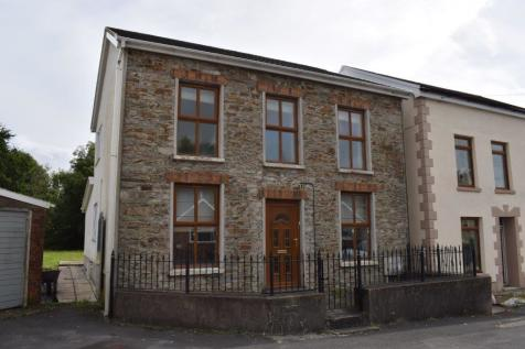 Glan yr afon, Felinfoel, Carmarthenshire. 3 bedroom detached house
