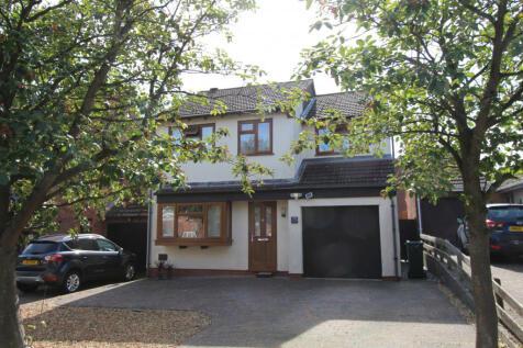 Leafield Rise, Milton Keynes, Buckinghamshire, MK8. 4 bedroom detached house