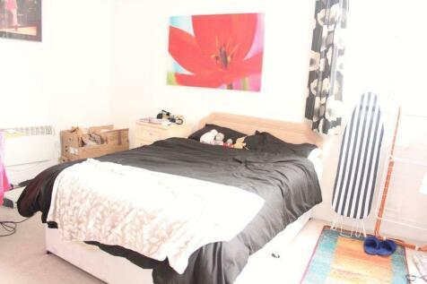 Broad Street, Worcester. 2 bedroom flat share