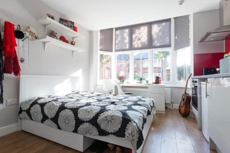 Regent Road, Leicester, Leicestershire, LE1. 1 bedroom flat