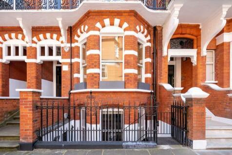 Egerton Gardens, Knightsbridge, London. 3 bedroom apartment