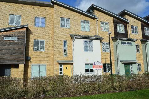Pinewood Drive, Hesters Way, Cheltenham, GL51. 4 bedroom house share