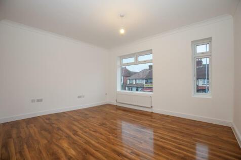 Burlington Road, New Malden. 1 bedroom apartment