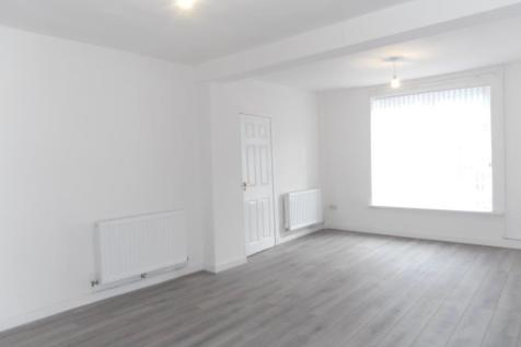 Cilhaul Terrace, Mountain Ash, Rhondda Cynon Taff, CF45. 3 bedroom house