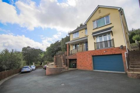 Oaks Court, Abersychan, Pontypool, Gwent, NP4. 6 bedroom detached house