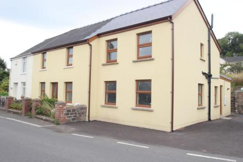 Crossroads Cottages, Crossroads Cottages, Abergavenny, Monmouthshire, NP7. 4 bedroom semi-detached house
