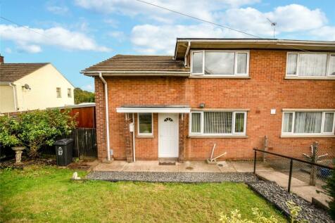 Parks Road, Mitcheldean, Gloucestershire, GL17. 3 bedroom semi-detached house