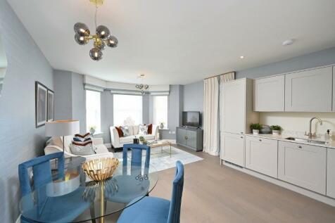 London Road, Sevenoaks, Kent, TN13 1BA. 2 bedroom apartment for sale