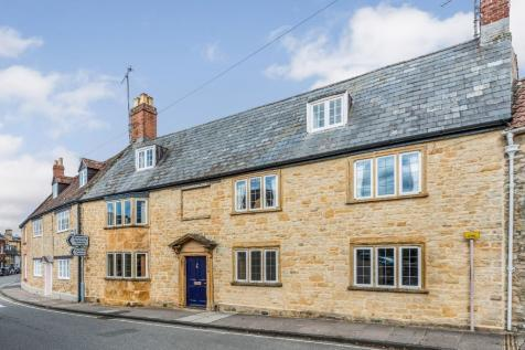 Long Street, Sherborne, Dorset, DT9 3BZ. 6 bedroom town house