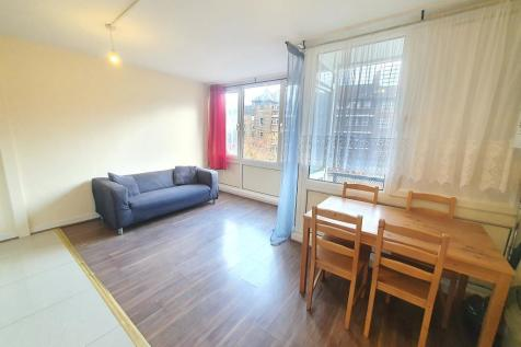 Bath Terrace, Elephant and Castle, London, SE1 6QE. 4 bedroom flat