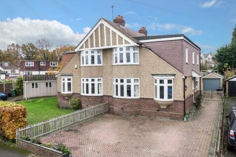Cavendish Avenue, Sevenoaks. 4 bedroom semi-detached house for sale