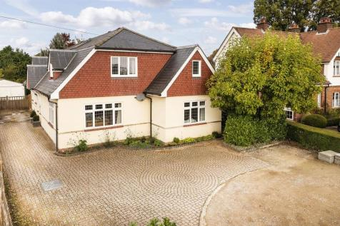 Hadlow Road, Tonbridge. 4 bedroom detached house for sale