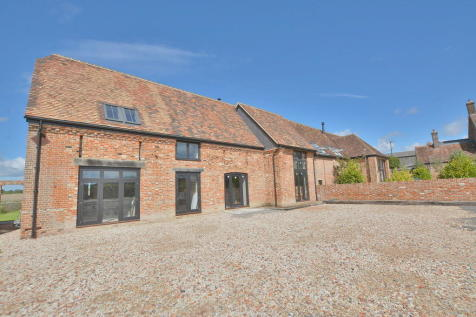 Knowlton, Wimborne. 4 bedroom barn conversion