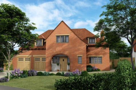 Lloyd George Gardens, Tilford Road, Churt, Farnham, GU10 2LN. 4 bedroom detached house for sale