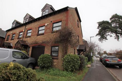 Woodlands Lane, Chichester. 3 bedroom end of terrace house
