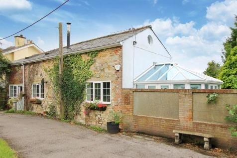 High Street, Hamble. 2 bedroom detached house for sale