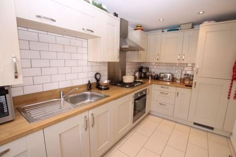 Cavendish Drive, Sarisbury Green. 3 bedroom house