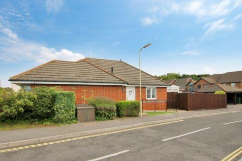 Shorewood Close, Warsash. 2 bedroom detached bungalow