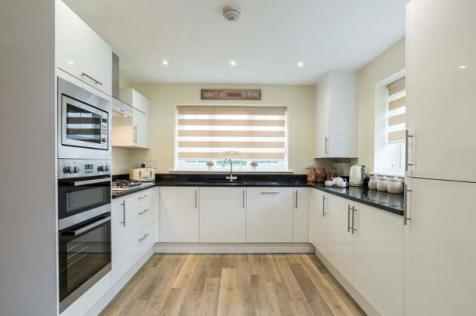 Oakeley Vale, Bursledon, Southampton, SO31 8NB. 5 bedroom detached house