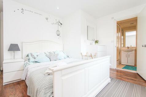 King Street, London, W6. 2 bedroom flat