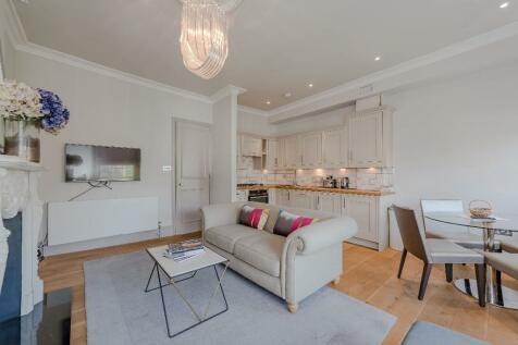Chepstow Crescent, W11. 1 bedroom apartment