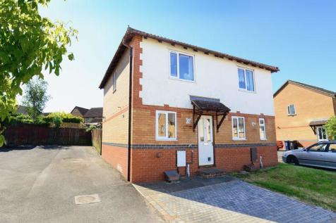 Regency Court, Gillingham, SP8. 2 bedroom semi-detached house