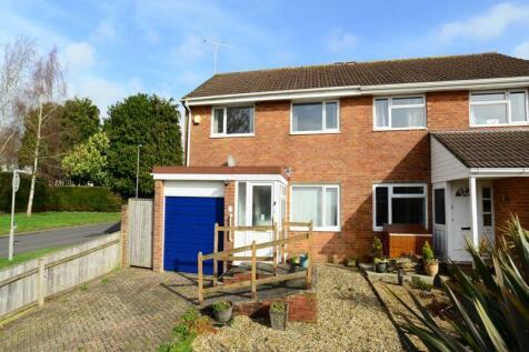 Hinton Close, Blandford Forum. 3 bedroom semi-detached house