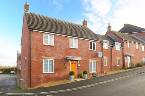 Honeymead Lane, Sturminster Newton, DT10. 5 bedroom end of terrace house