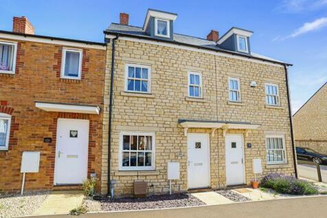 Amors Drove, Sherborne, DT9. 3 bedroom terraced house