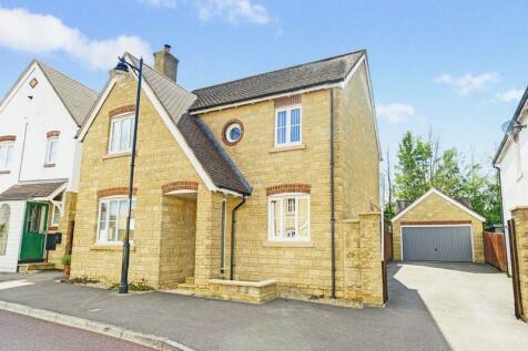 Weatherbury Road, Gillingham, SP8. 4 bedroom detached house