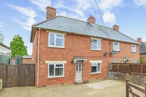 Manor Road, Milborne Port, DT9. 3 bedroom semi-detached house