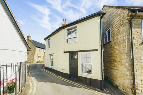 Goughs Close, Sturminster Newton, DT10. 2 bedroom cottage