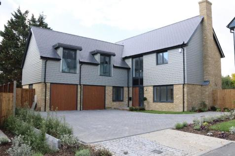 Cliffside Drive, Broadstairs, Kent, CT10 1RX. 5 bedroom detached house
