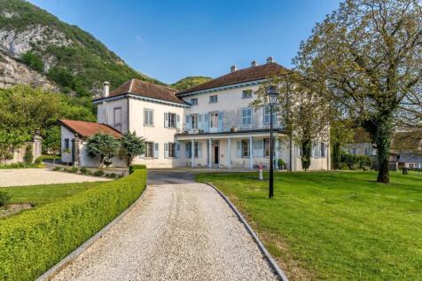 Switzerland. 8 bedroom villa for sale