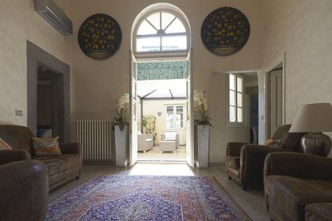 Tuscany, Florence, Florence. 3 bedroom apartment for sale