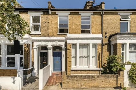 Kay Road, London. 2 bedroom flat
