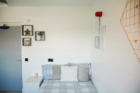 Williams House, 74 Williams Street, Loughborough. 6 bedroom flat