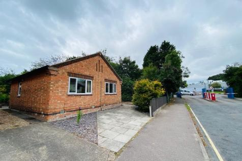 Ashleigh Drive, Loughborough,. 4 bedroom house