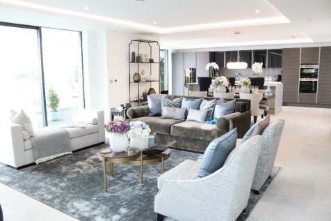 Encombe,  Sandgate,  Folkestone, Kent, CT20 3DD. 3 bedroom penthouse