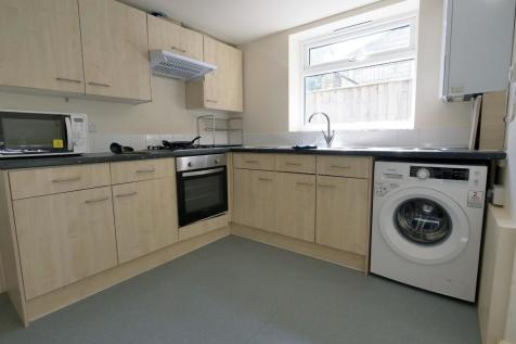114, Thoday Street, Cambridge, Cambridgeshire, CB1. 6 bedroom house share