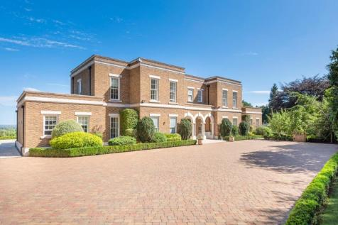 Hollow Lane House, Wentworth Estate. 6 bedroom detached house