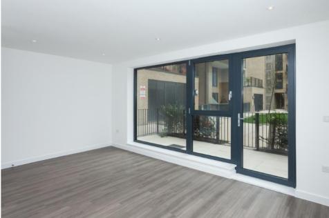 Ellen Phillips Lane, London, E2. 3 bedroom apartment