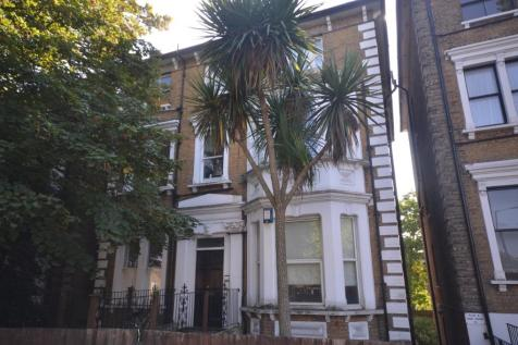 Christchurch Road, Tulse HIll, London, SW2. 2 bedroom flat