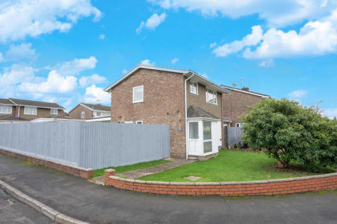 Courtfield Close, Rogerstone, NP10. 3 bedroom detached house for sale