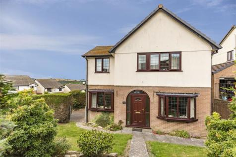 Bodrigan Road, Looe, Cornwall, PL13. 4 bedroom property